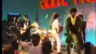 Real to reel - Can You Treat Me Like She Does (SoulTrain 1983)