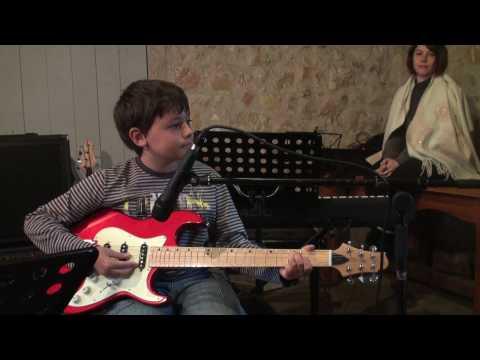 Luca jeune guitariste - Apache des Shadows