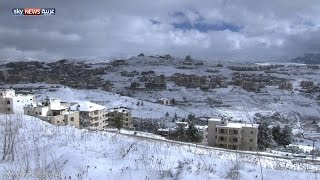 الثلج يقطع الطرق بين قرى جبل لبنان