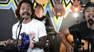 Download BUJANGAN KOES PLUS Dinyanyikan oleh YOYOK FEAT 3 PEMUDA BERBAHAYA (COPY)