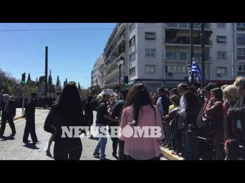 newsbomb.gr: Η Ελένη Λουκά στην παρέλαση