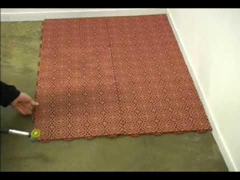 Qu f cil es colocar un suelo con losetas encajables youtube for Losetas de vinilo para suelos