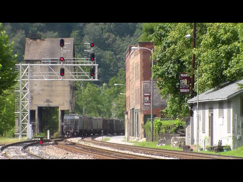 Railfanning Thurmond, WV!