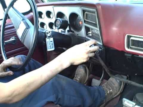 Shifting the 4 speed - YouTube