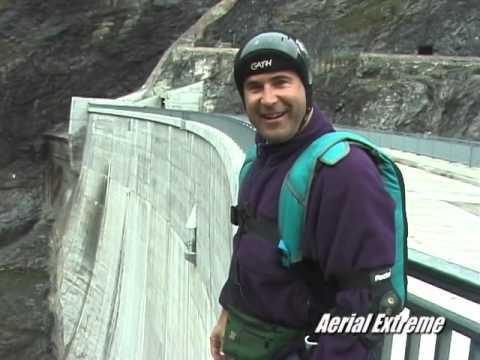 Dam BASE jumps in Switzerland - Aerial Extreme