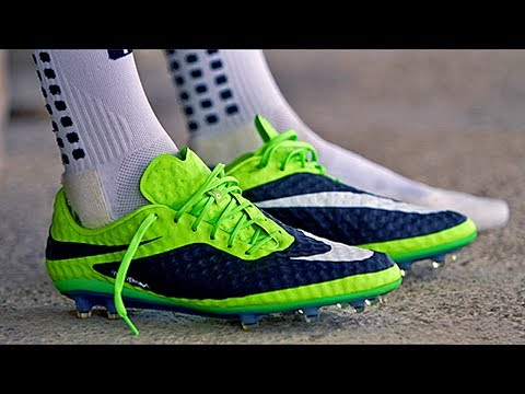 wholesale dealer f343f 7003e FIFA13 BOOT UPDATE V2   Hypervenom - Messi boots - Mercurial Veloce   more   HD