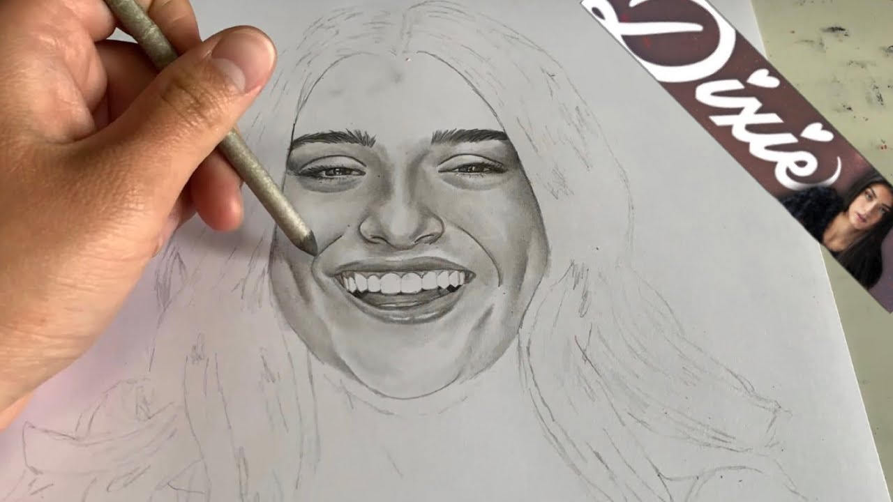 Drawing Dixie D'Amelio - YouTube