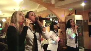 QdK Lo staff del Girasole Canta   e pure bene!