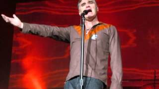 """Morrissey - """"Istanbul"""" (live in Istanbul)"""