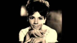 Watch Shirley Bassey So In Love video