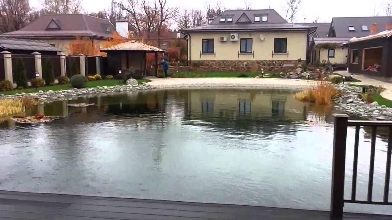 Пруд для купания на участке. Водоем на даче.
