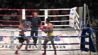 Download Video Ediey Selindang Kuning (kirstymuaythaifightclub.com) Vs Middle East Guy MP3 3GP MP4