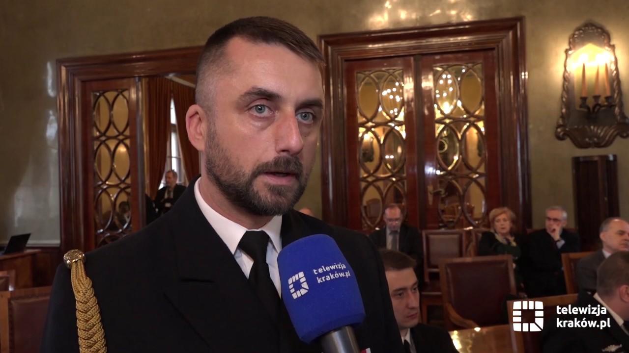 """e92d13edf8438 Odznaka Honoris Gratia dla marynarza ORP """"Kraków"""" - YouTube"""