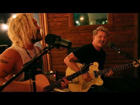 The Griswolds – Out Of My Head (LIVE)