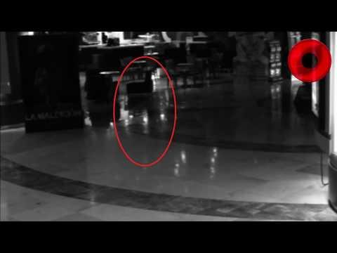 Cámaras de seguridad captan algo aterrador en Cinemex Fantasma de una Mujer  Omares Tal Cual