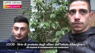 Locri Sit-in di protesta Istituto Alberghiero per problemi impianto di riscaldamento (by EL)