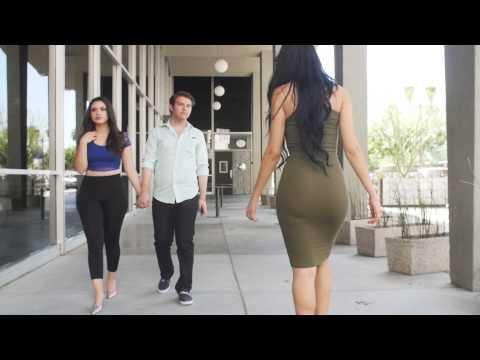 Caminando Con Tu Novia Por Las Calles (VIP DIGITAL)
