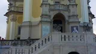 Собор Святого Юра во Львове  экскурсии с гидом(Интересный факт.Святого Юрия нет и никогда существовал такой святой .Послушайте гида. Во Львове, Собор..., 2015-01-08T08:02:36.000Z)