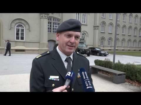 Poveljnik šole za podčastnike podpolkovnik Franjo Lipovec