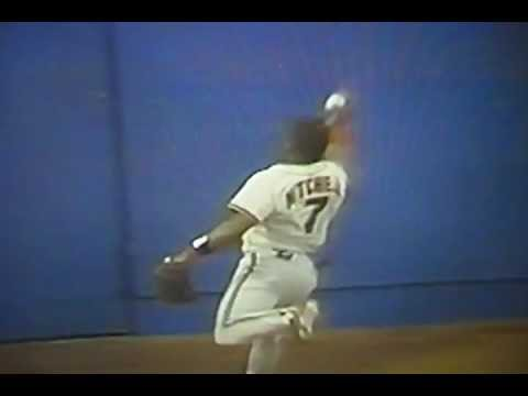 "Kevin Mitchell Barehanded Catch Against Ozzie Smith! ""San Francisco Giants"""