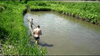 пруд в огороде 2(ловля рыбы в пруду , на бредень !, 2016-06-15T17:46:08.000Z)
