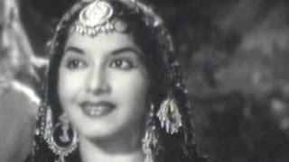 Mujhe Dekh Na Kudiye Mud Ke -  Asha Bhosle, Mohd Rafi - Reporter Raju Song