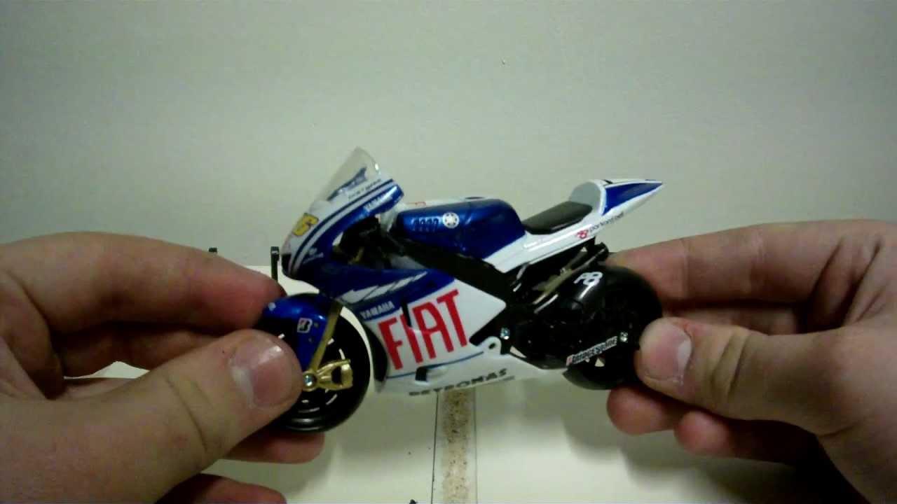 NewRay Diecast 1:18 Yamaha YZR-M1 N.46 2009 MotoGP Valentino Rossi Review - YouTube
