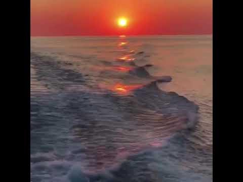 Закат на катере . Эстетика вечера, моря .