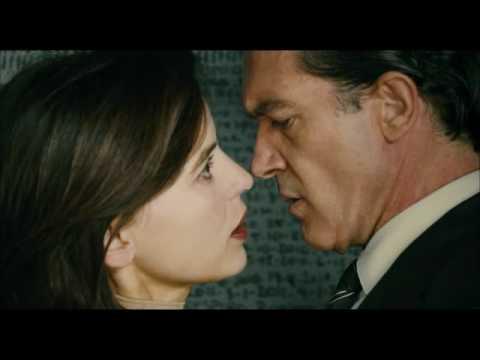 """Antonio Banderas y Elena Anaya en """"La piel que habito"""""""
