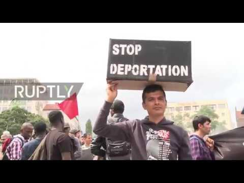 Germany: Sierra Leonean refugees protest against deportation to Italy