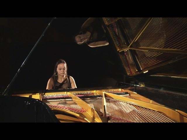Inge Prause plays Flowing Water