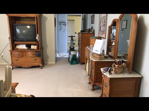 (LIVE) Cleaning upstairs Carpet with the Bissell BigGreen Machine