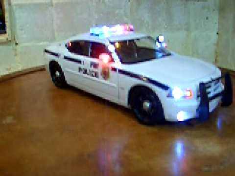 1/18 Dodge Charger FBI Police Unit w/ Lights and Siren ...
