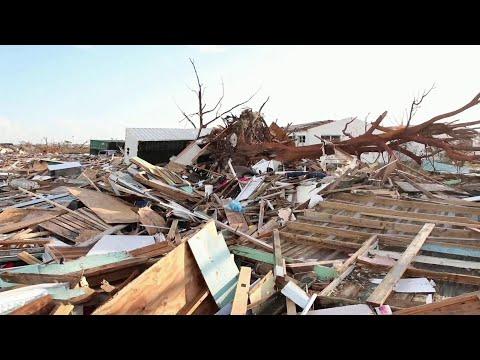 """Пять человек погибли в США из-за урагана """"Дориан"""", который добрался до побережья Северной Каролины."""