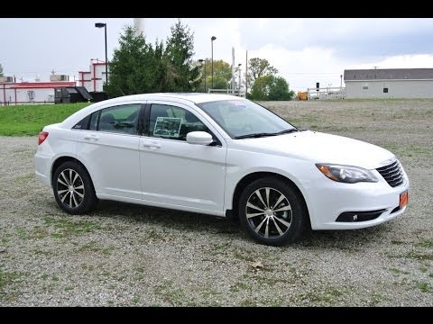 2014 chrysler 200 limited sedan white for sale dayton troy piqua sidney ohio 26854 youtube. Black Bedroom Furniture Sets. Home Design Ideas