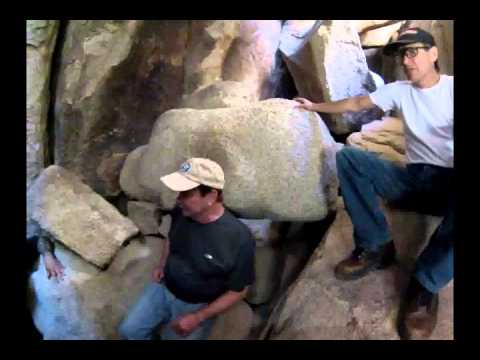 Joshua Tree, Secret cave passages at Hidden Valley Camgrounds