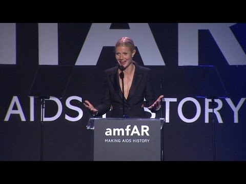 Gwyneth Paltrow Gushes Over Chris Martin at amfAR Gala!