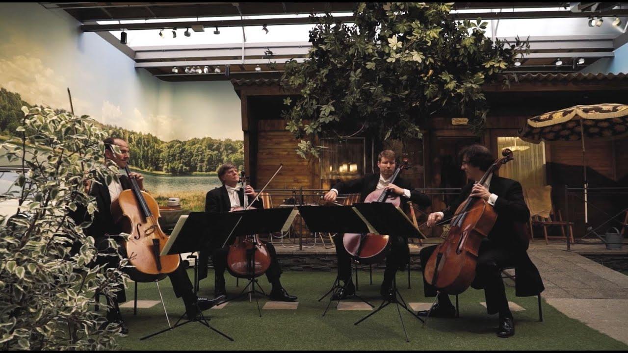 Klangkunst trifft Ingenieurskunst - Staatskapelle Dresden im August Horch Museum in Zwickau