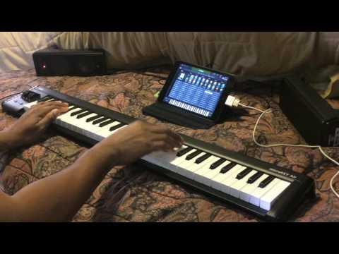 Kris Nicholson Unboxed his new KORG MicroKEY AIR 61 his new Airline Keyboard for Travel