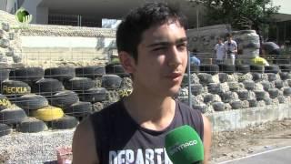 Alunos de Guimarães constroem casa com pneus, garrafas e latas