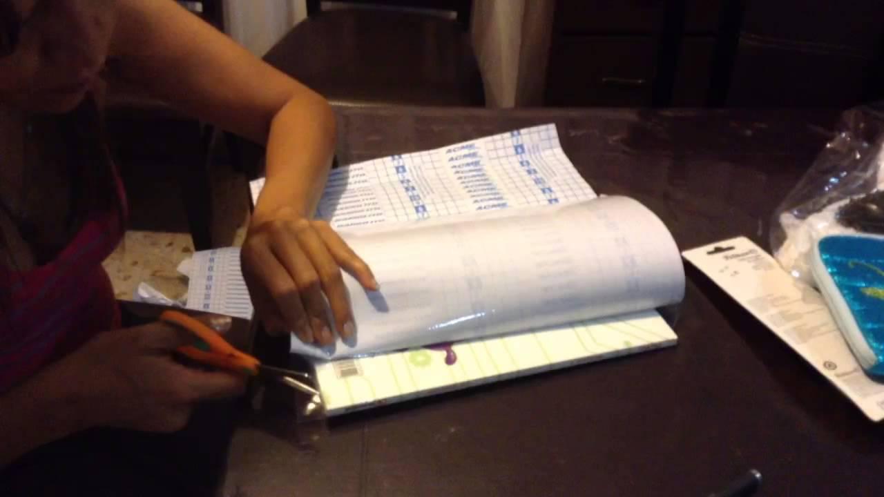 Como forrar libros con papel contac la manera m s f cil for Papel para forrar puertas