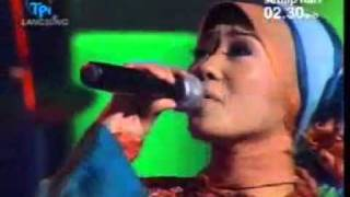 GITA KDI.....menyanyikan sebuah lagu......MUHAMAD MATAHARINYA DUNIA....mp4