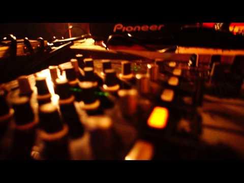 RADIKAL GURU FEAT. DUBDADDA & CIAN FINN -  Ostróda Reggae Festival 2015