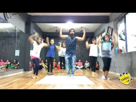THE MAGIC DANCE CREW(TMDC) Agabai halla machaye re song choreograph by KRISHNA D TIWARI.