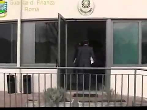 ROMA  Prestiti per circa 700mila euro intestati a persone inesistenti   Denunciate due persone