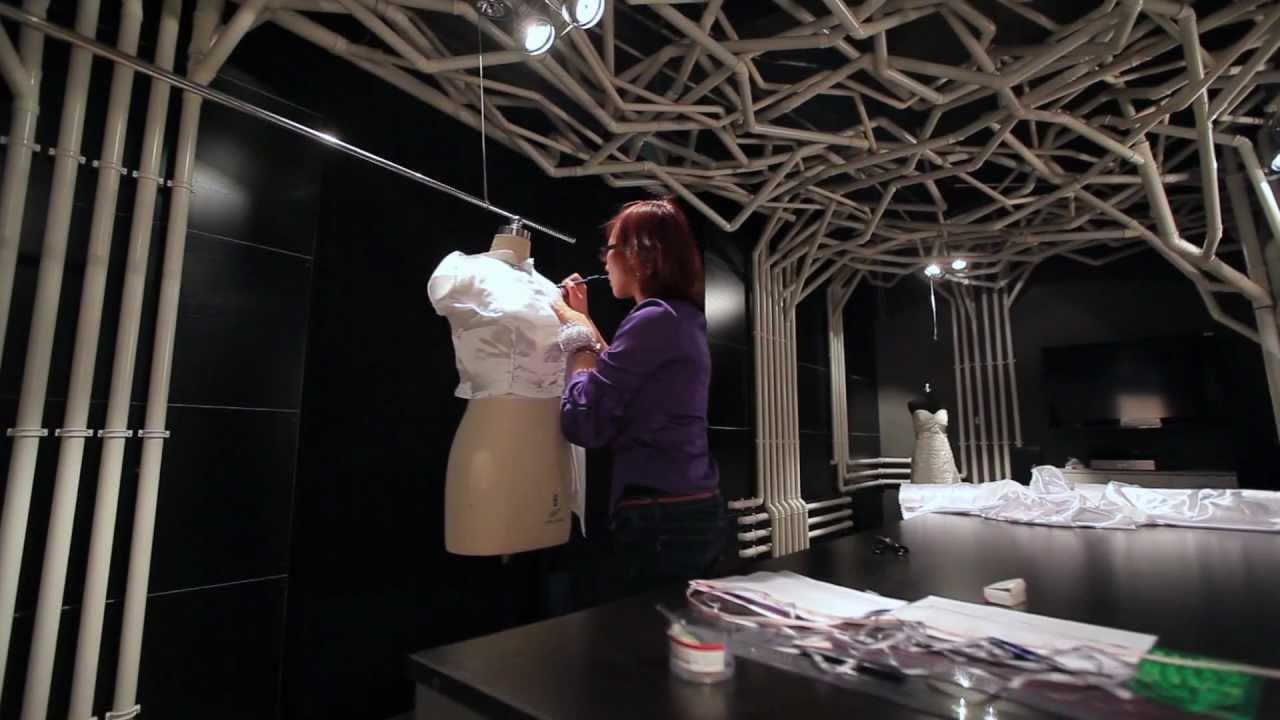 36cbb17d0 Confección de Vestido de Novia en Noviamor - YouTube