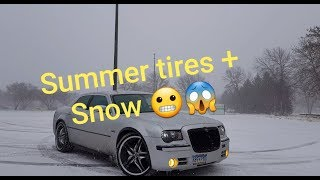 Chrysler 300C Snow Drifting!