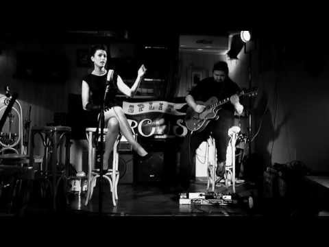 Marina Fernandez - Garota de Ipanema / The Girl from Ipanema