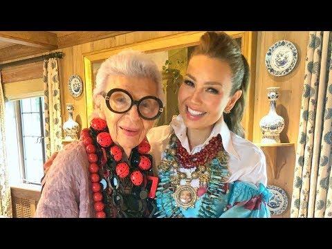 Thalía presume su encuentro con Iris Apfel, el ícono de la moda
