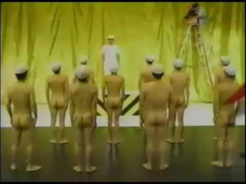 全裸ラジオ体操